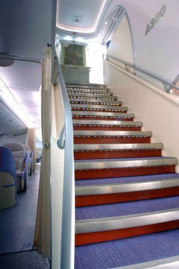 全球最大客机空客a380驾驶舱,客舱亲密接触图片