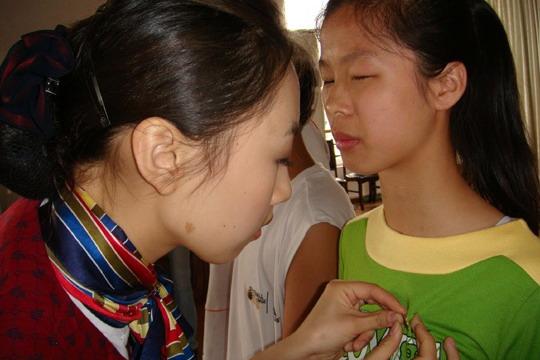 关爱聋哑盲儿童