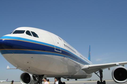 南航空客330客机进驻新疆 京穗航线率先体验图片