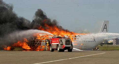 各種消防車簡筆畫圖片_簡單又漂亮的消防繪畫