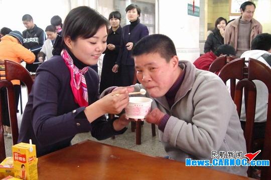 武汉市儿童福利院,看望那里有些残疾和智障的儿童们