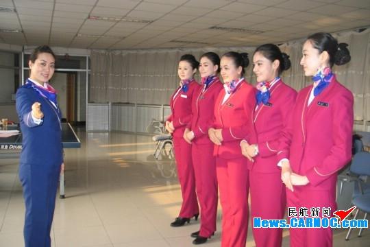南航新疆分公�9�n�i�_南航新疆开展提升职业形象打造\