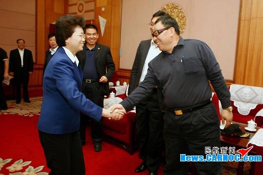图片 青海省省委书记强卫、省长宋秀岩会见李泽源
