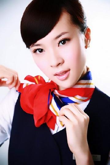 东航江苏公司空姐吴潇雨晋级亚洲小姐总决赛