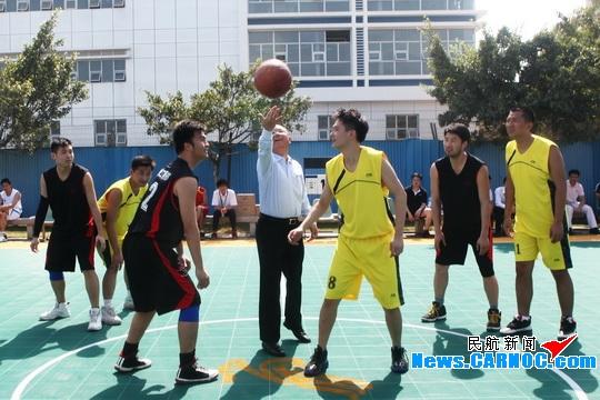 深航开展员工篮球赛迎接深圳2011世界大运会