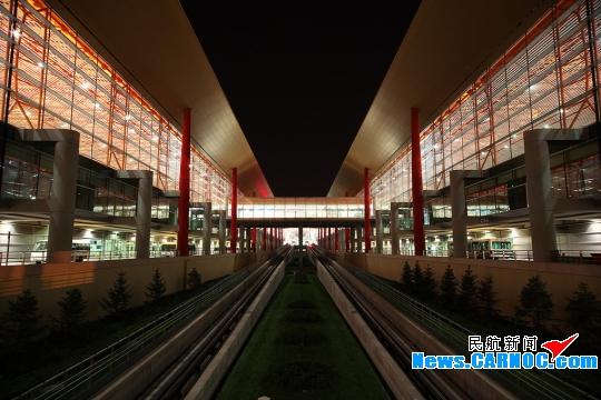 北京/图:北京首都国际机场三号航站楼(T3)夜景。民航资源网资料...