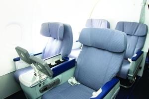 南航最新a320首降龙嘉机场 娱乐设施更先进图片