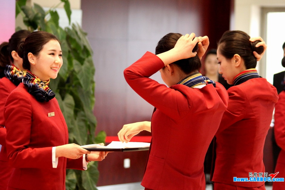 国航客舱举办形象技能大赛 展示三款全新发式