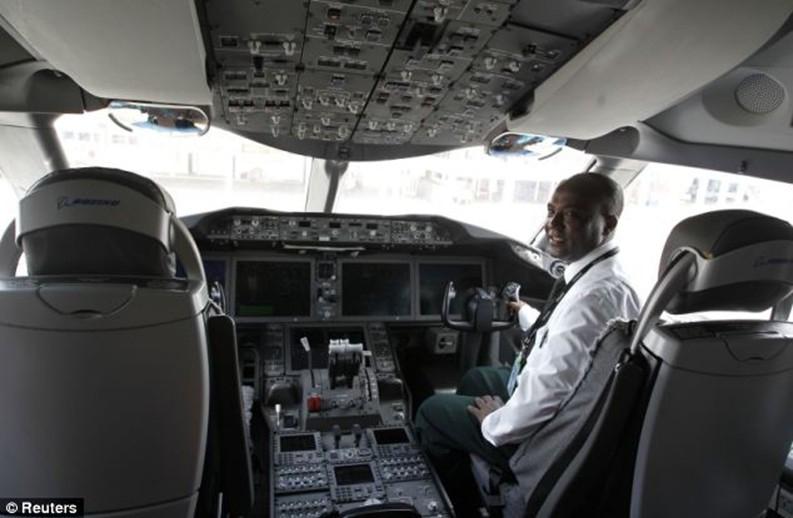 波音787飞机的驾驶舱