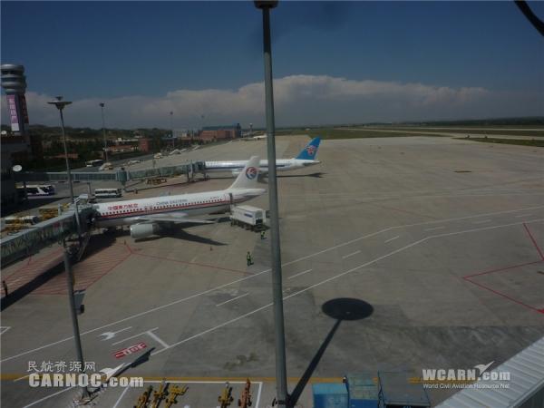 标志 兰州/图:兰州中川机场飞行区标志线改造工程现场