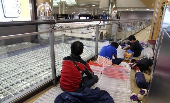 机场关闭台湾旅客飙骂空姐叹大陆人比较可爱