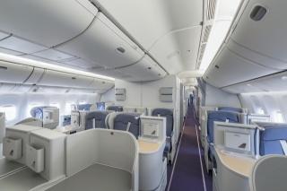 图:波音777-300er公务舱图片