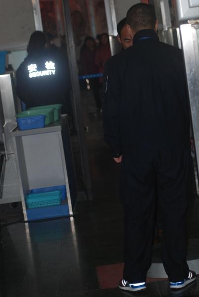 阜阳新闻网_图片 阜阳机场启动防爆预案 确保安全_民航新闻_民航资源网