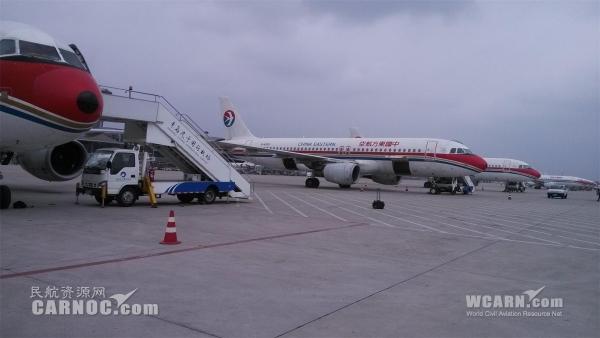 图:忙碌的青岛机场 0荐闻榜 (供稿:东方航空技术有限公司山东