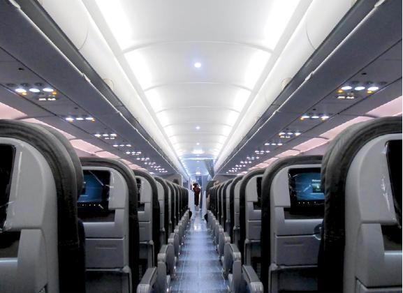 空客完成a320系列飞机首个三级客舱布局安装图片