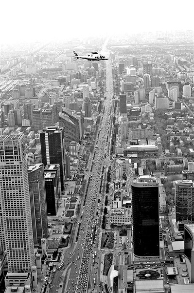 北京警用直升机新年首飞 为交通保驾护航