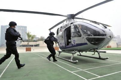 揭秘成都首架警用直升机 5分钟抵三环内任地