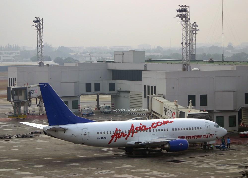 Re:[原创]亞洲航空的八架彩繪機 BOEING 737-300 G-STRA