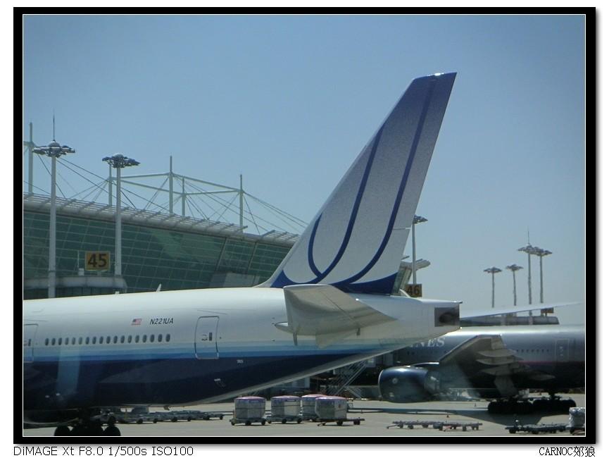 [原创]汉城巧遇美联航新涂装777 BOEING 777-200 N221UA