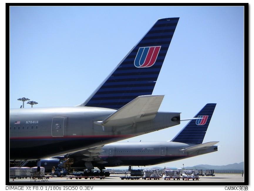 Re:[原创]汉城巧遇美联航新涂装777 BOEING 777-200 N784UA、N792UA