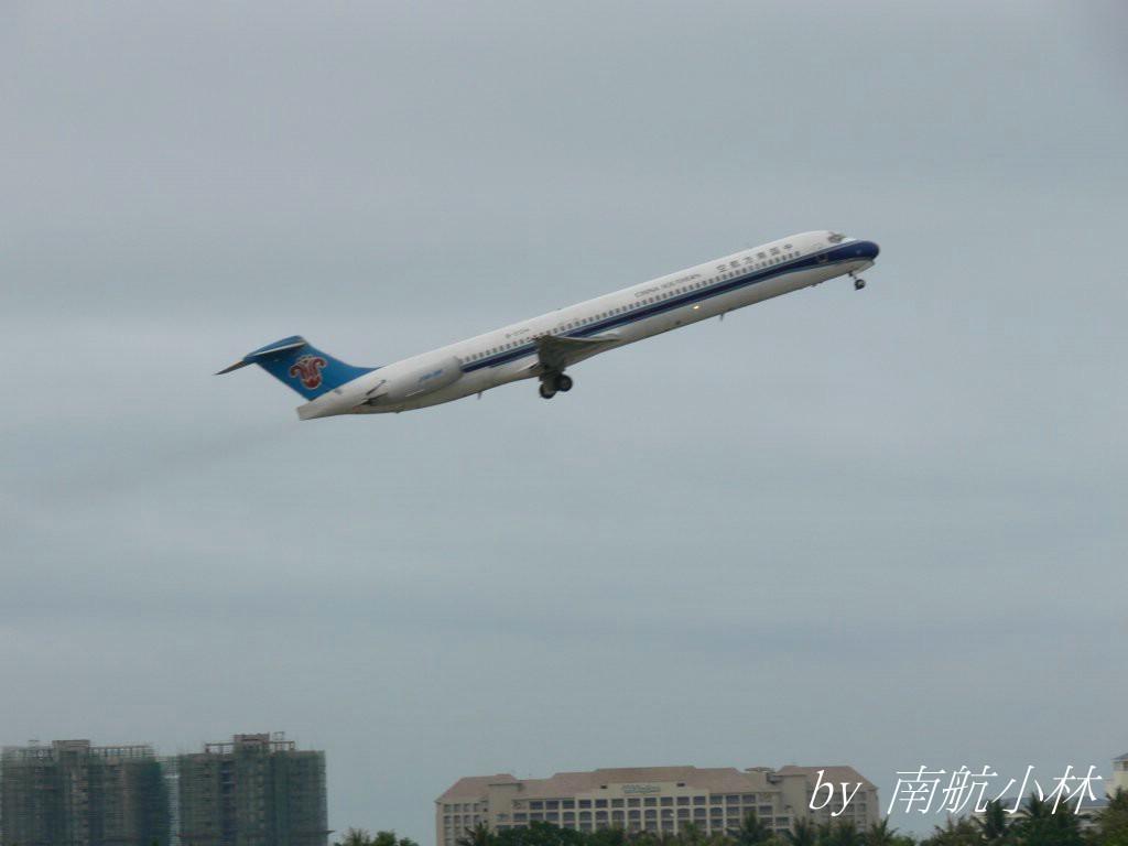 Re:[原创]有比它起飞更好看的吗?有就拿出来比一下哈 MCDONNELL DOUGLAS MD-80-82