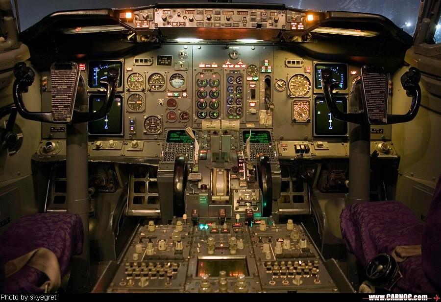 Re:B737-500/700驾驶舱 BOEING 737-500 B-2591