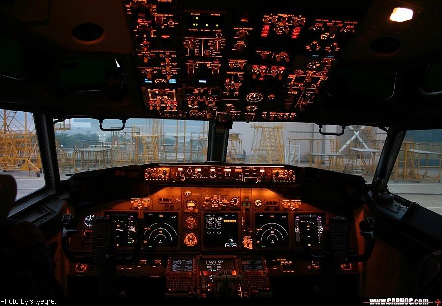 Re:[原创]B737-500/700驾驶舱 BOEING 737-700 B-2999