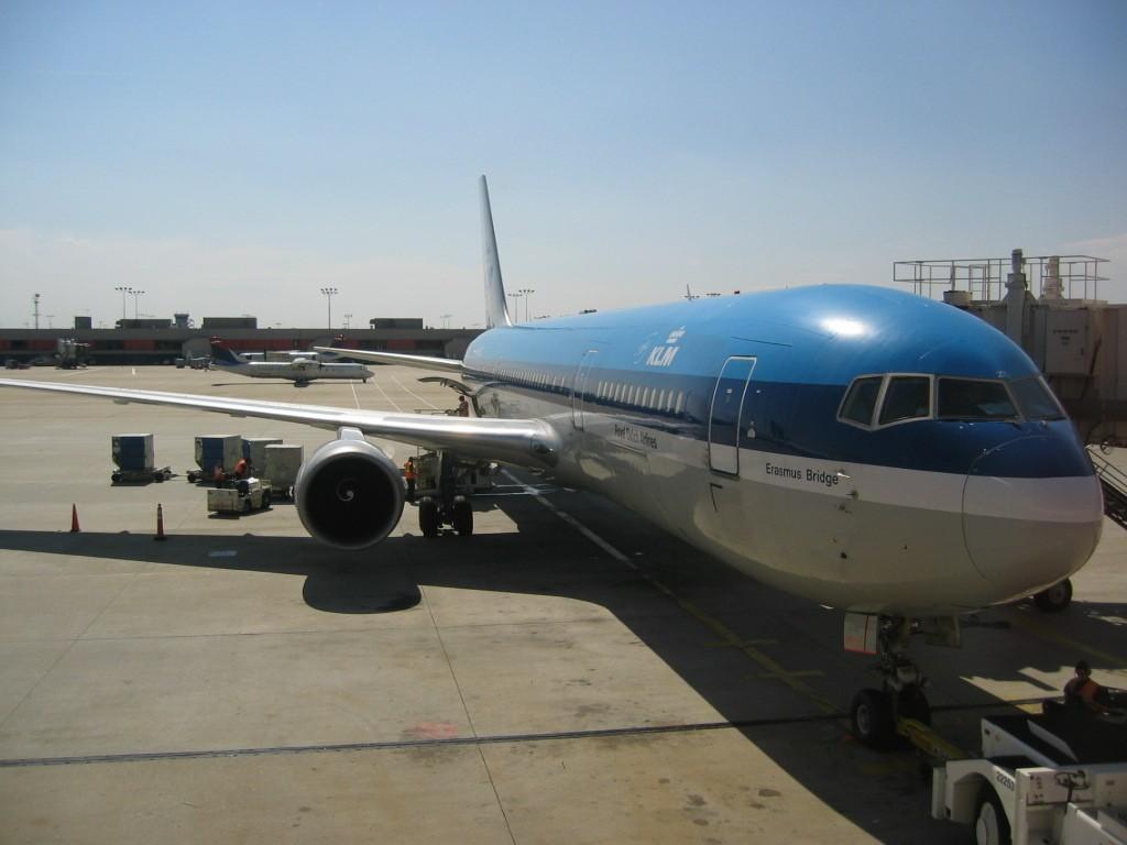 请问阿姆斯特丹飞墨西哥城荷航kl685对应的南航cz共享