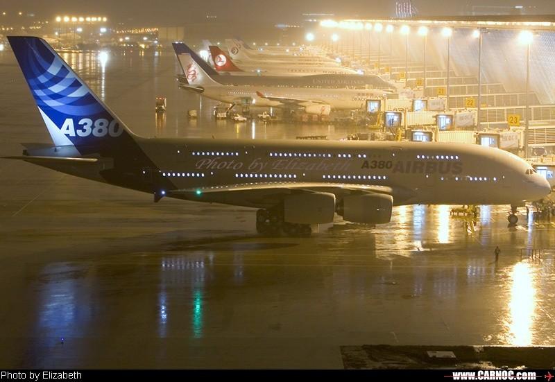 [原创]380在PVG靠桥喽 AIRBUS A380