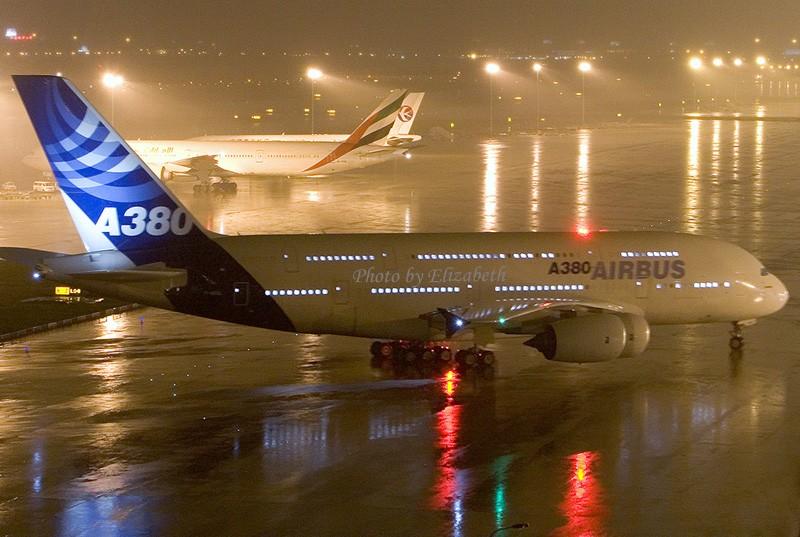 Re:[原创]380在PVG靠桥喽 AIRBUS A380