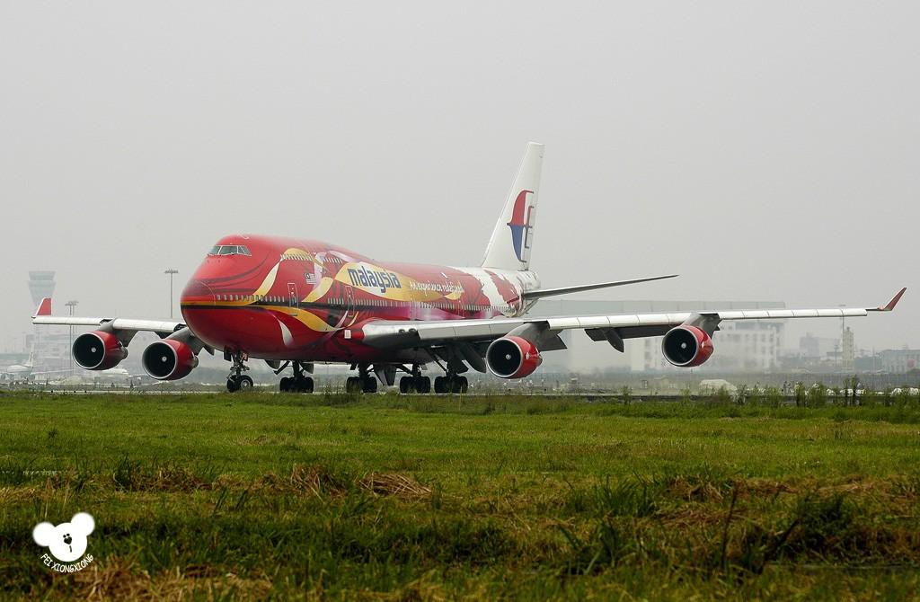 Re:[原创]( : * * * * * 今 天 7 4 7 了 * * * * * * : ) BOEING 747-400