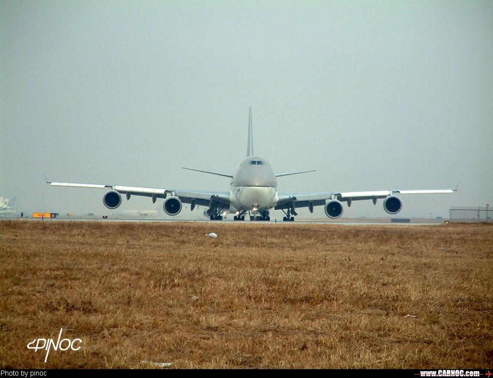 Re:[原创]( : * * * * * 今 天 7 4 7 了 * * * * * * : )    中国北京首都机场