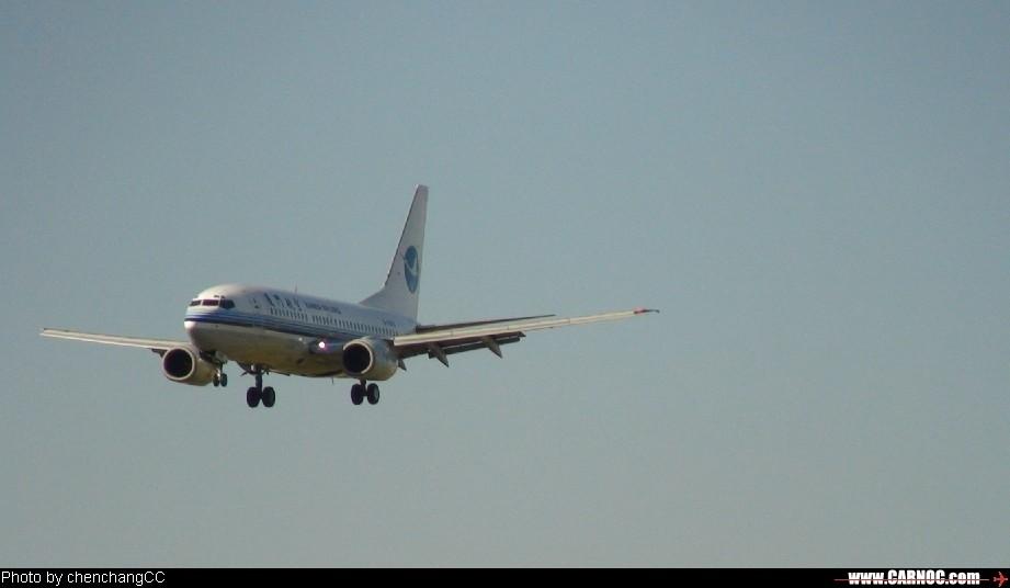 [原创]厦门航空在KMG BOEING 737-700 2998