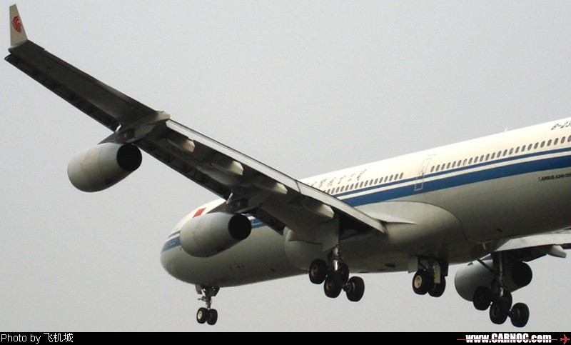 [原创]各种各样的飞机, 小卡片机尝试新角度 AIRBUS A340-300 B-2385  中国成都双流机场