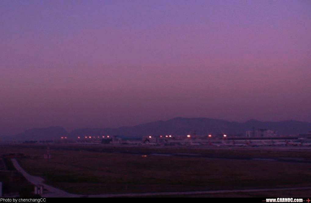 [原创]昆明机场清晨作业(4)---黎明中的机场    中国昆明巫家坝机场