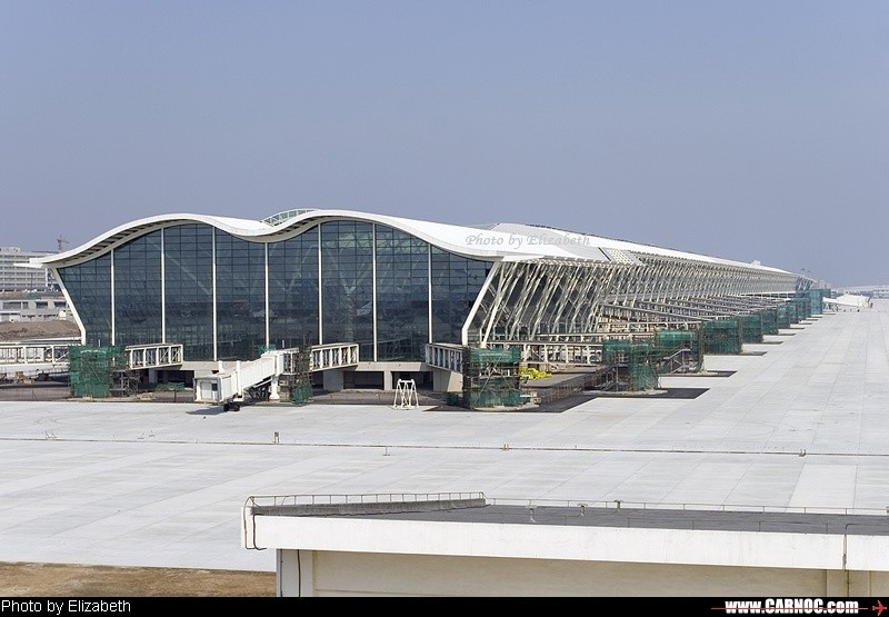 [原创]浦东T2廊桥施工中    中国上海浦东机场