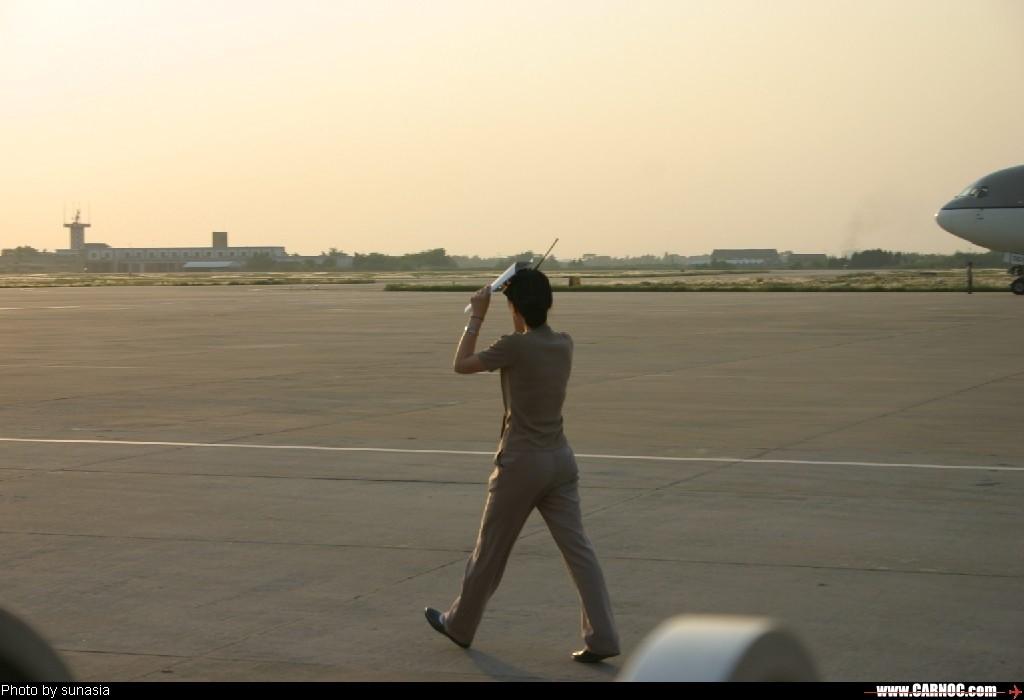 [原创]夕阳下的韩亚MM     地面服务