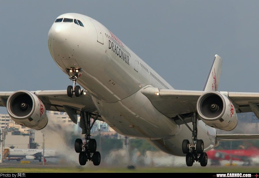 [原创]一堆亂七八糟的圖! AIRBUS A330-343X B-HWF 臺灣高雄小港機場