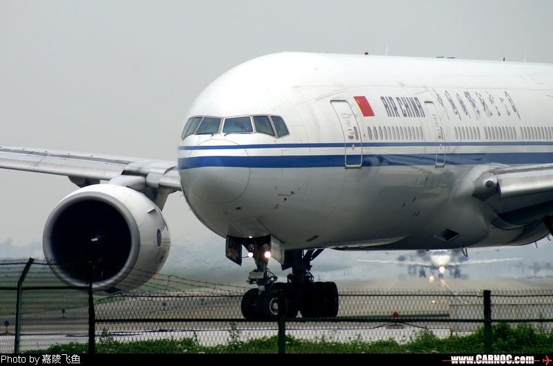 Re:[原创]晒黑晒黑再晒黑,历时一个半月,终于爬到777了~~~~~~~~~~~~ BOEING 777-200 B-2068 中国成都双流机场