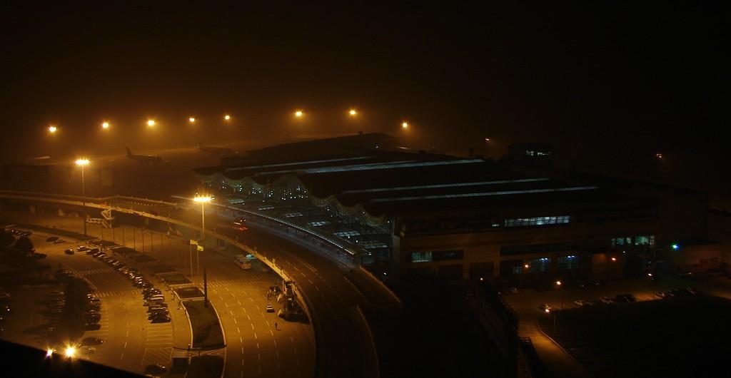 re:[原创]夜拍nkg 塔台角度