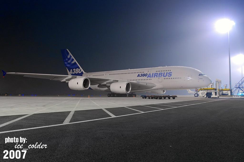 Re:[原创]昨天晚上9点才去,看看农历15夜晚的A380静静的停留在北京的样子。 A380 F-WWJB 中国北京首都机场