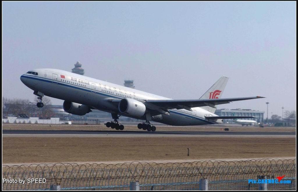Re:大年初四拍抬头 777 B-2068 PEK