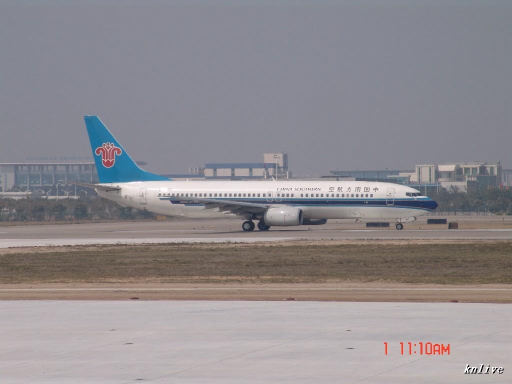 [原创]3月1日,ZGGG东西两条跑道打飞机(惊讶遇到一民航机只用了少于1000M就离地) BOEING 737-800 B-5190