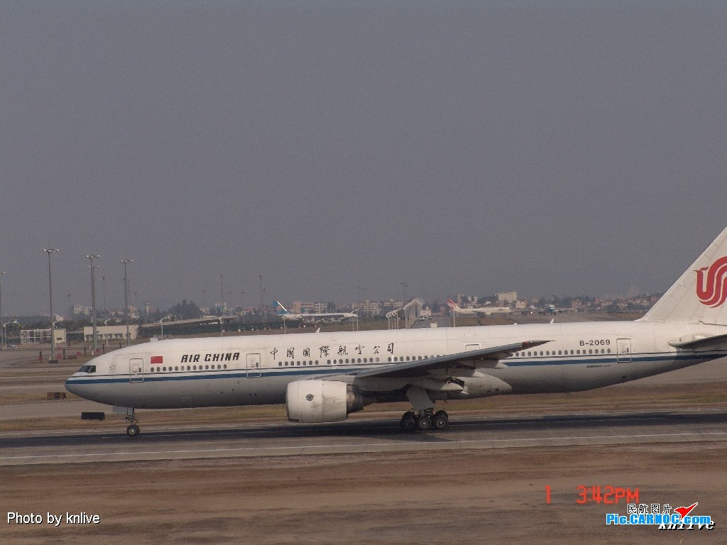 Re:[原创]3月1日,ZGGG东西两条跑道打飞机 BOEING 777-200 B-2069
