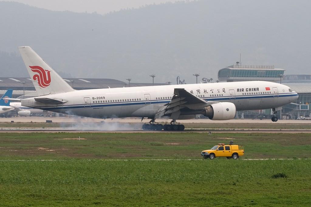 Re:[原创][深圳打机队]=====难以言表的星期天===== BOEING 777-200 B-2069 深圳宝安国际机场
