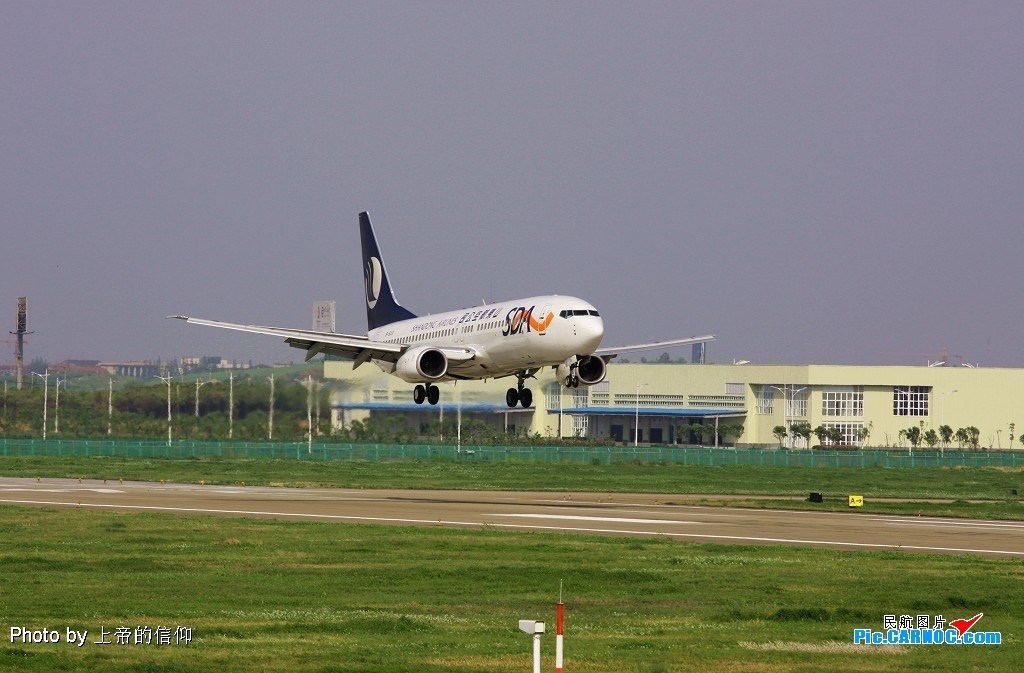 NKG B-5331 BOEING 737-800 B-5331 中国南京禄口机场