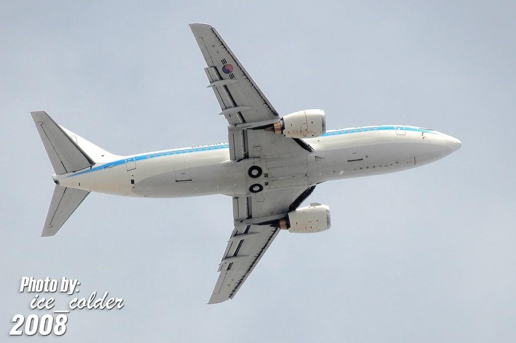 [原创]一南一北,来自朝鲜半岛的两架飞机,下午先后飞走了。 BOEING 737-800 85101 中国北京首都机场