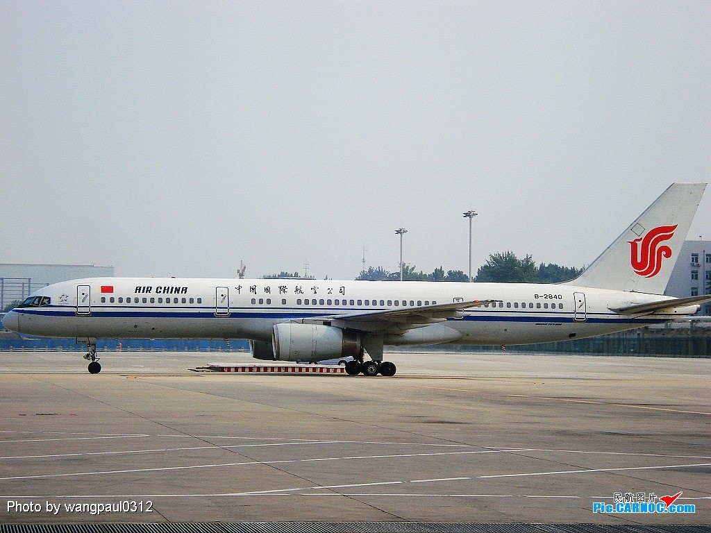 Re:[原创]T2乱拍全是身份证照,大的,小的,国内的国外的 BOEING 757-200 B-2840 中国北京首都机场