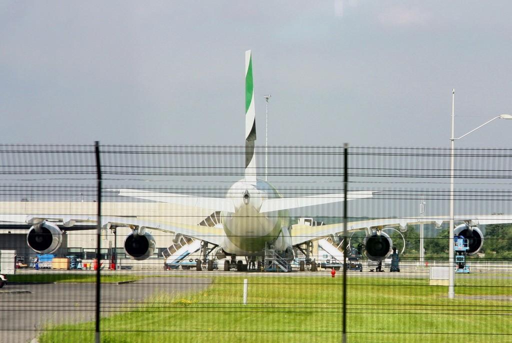Re:[原创]图卢兹接机之旅——拍机篇 AIRBUS A380