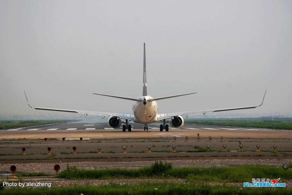 Re:[原创]烈日下的虹桥拍机 BOEING 737-800 B-5349